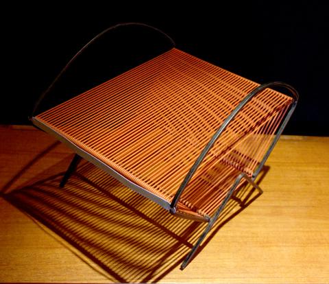 chicbaazar objets vintage 50 60 70 range disques 33 t scoubidou vintage 1960. Black Bedroom Furniture Sets. Home Design Ideas