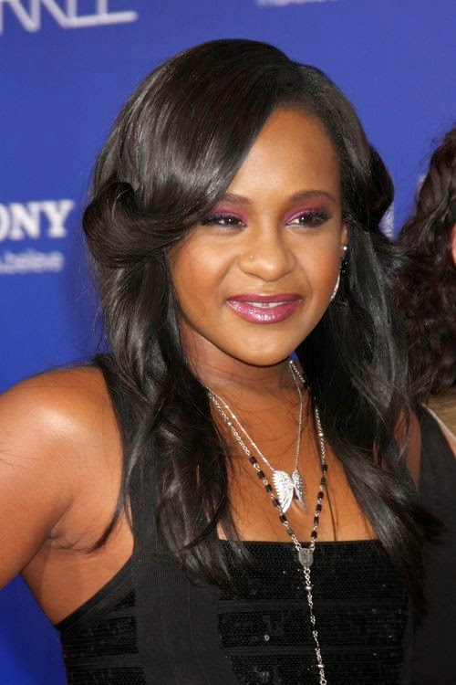 Whitney Houston daughter, Bobbi Kristina Brown, found insconsiente in her bath