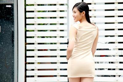 Đầm nơ ngang vai