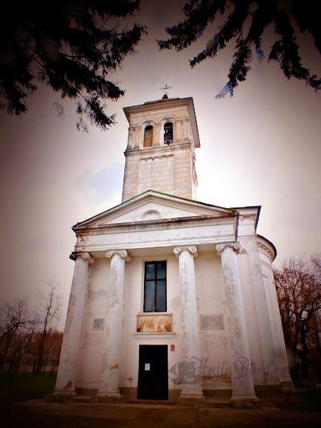 biserica palat ruginoasa