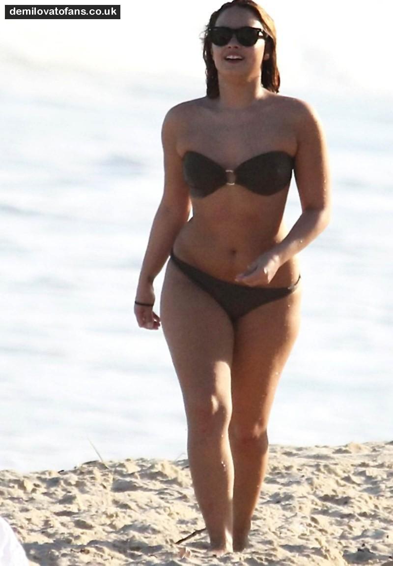 Demi Lovato Hot Bikini Full Album