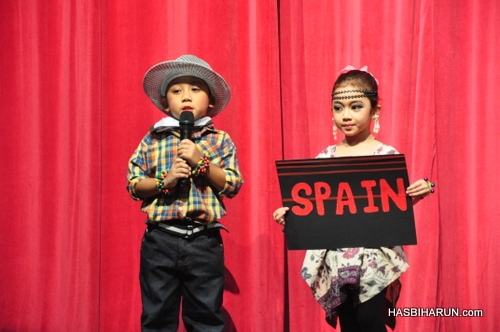 Spain in Smart Reader Kids Annual Concert and Convocation 2012 by biozone food purifier top agent