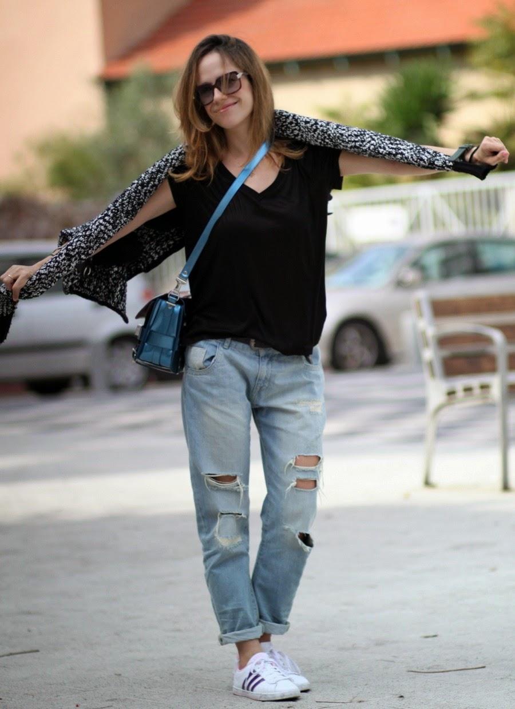 sloutchjeans, trends,ootd, vnecktee, lookoftheday, ps11, bag, fw14, fashionblog, streetstyle, telavivcity, rothschildblvd, fashion, בלוגאופנה, אופנה,