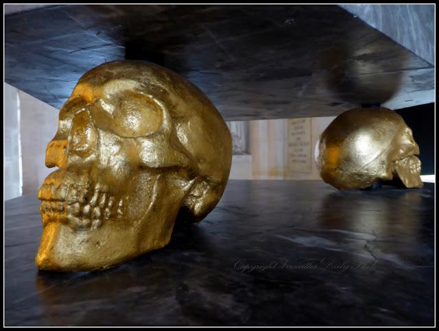 Le Roi est mort the king is dead exhibition Versailles