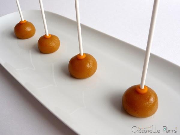 cake pops citron avec bâtonnet
