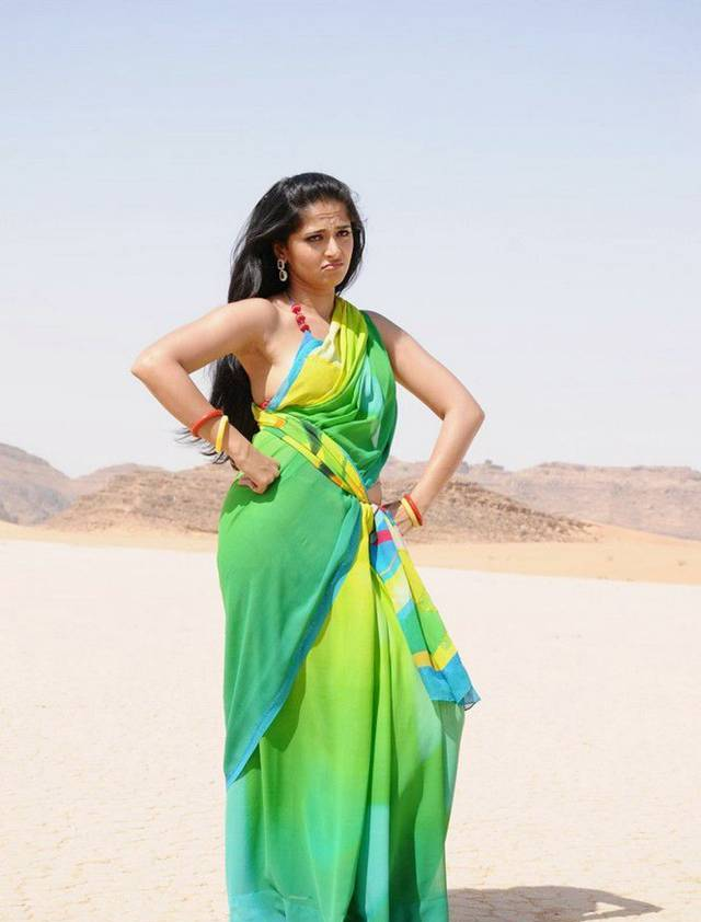 Hot Anushka Shetty Pictures