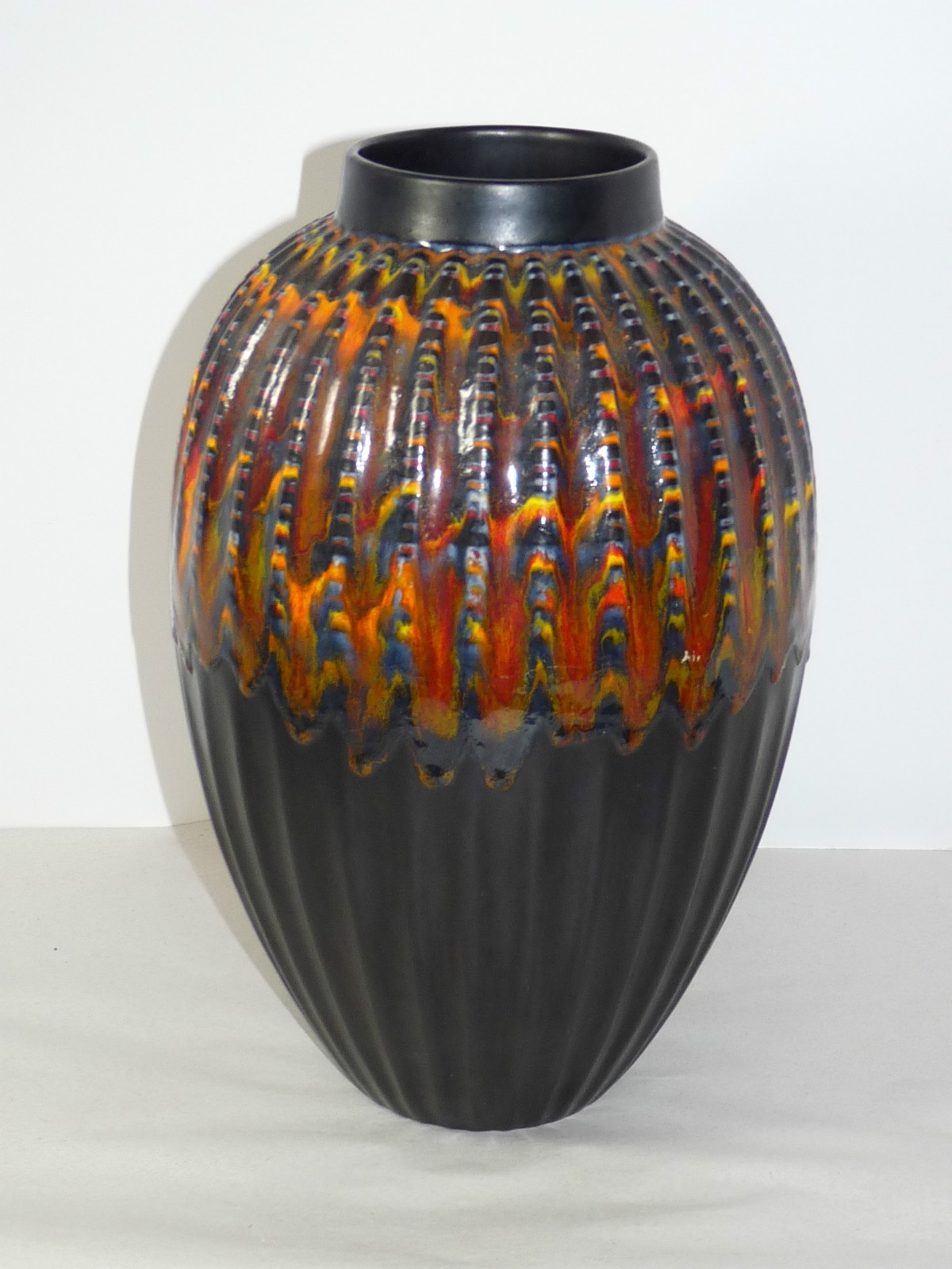 Sunny knoll antiques royal haeger peacock red lava black fluted 11 12 vase reviewsmspy