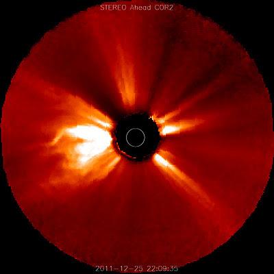 llamarada solar clase M4.0, 25 de Diciembre 2011