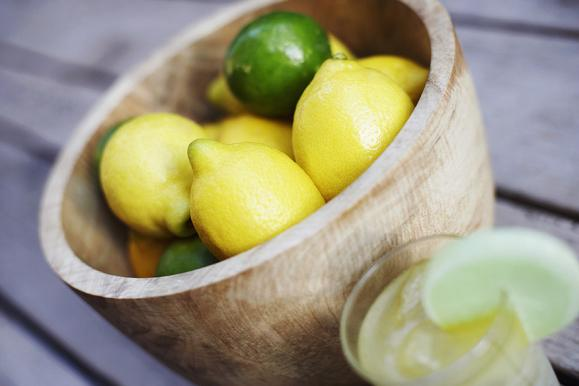 How To Lighten Skin With Lemon Juice