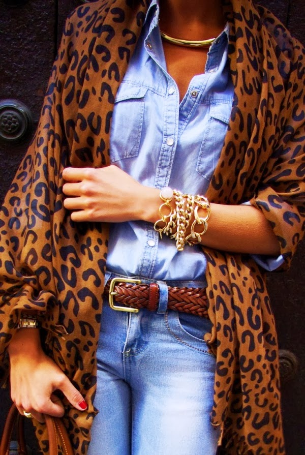 Chambray and denim combo over leopard and gold braclets