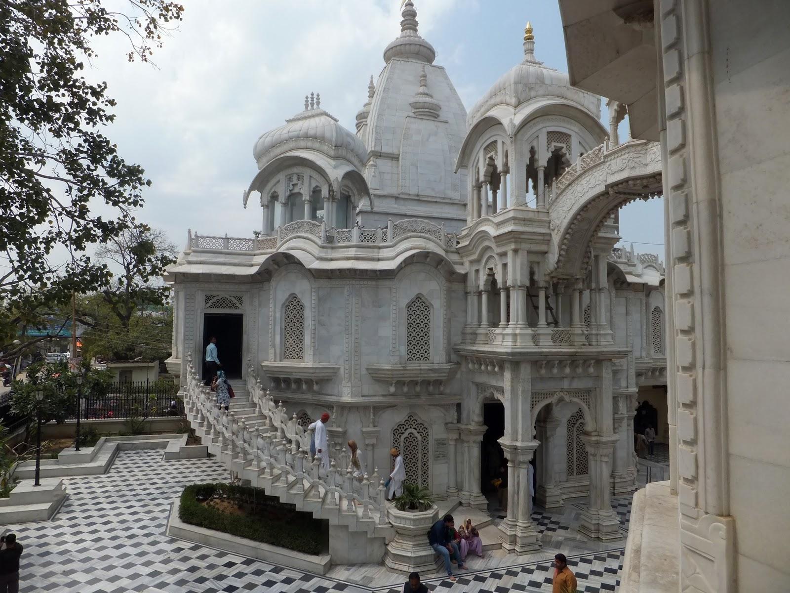 храм сознания Кришны во Вриндаване