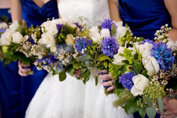 Maarja Ameisha Marlette website square peacock wedding cake garden party