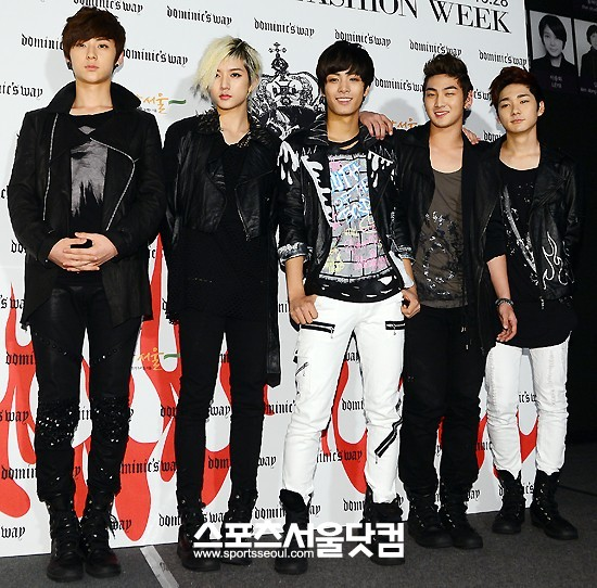 Nu'est at Seoul Fashion Week 121022
