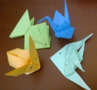 Kegiatan melipat atau origami ini berasal dari bahasa Jepang: oru