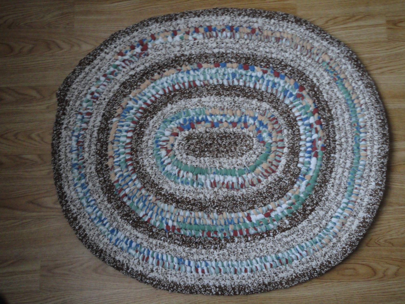 Toothbrush Rugs Are One Of The Easiest And Quickest Rag To Make They Easy Learn Inexpensive Result Is Gorgeous
