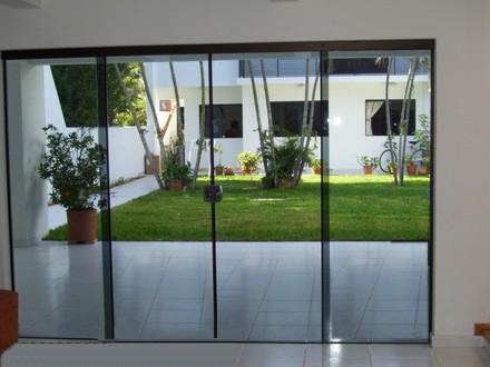 Mamparas de vidrio templado incoloro polarizado for Cerradura para mampara de vidrio