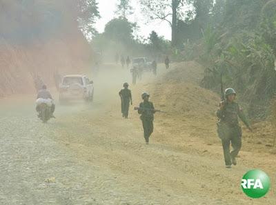 ကခ်င္ျပည္နယ္မွာ လႈပ္ရွားေနေသာ အစိုးရတပ္သားတခ်ိဳ႔ကို ၂၀၁၃ ခုႏွစ္ ဒီဇင္ဘာလကုန္ပိုင္းက ေတြ႔ရစဥ္ photo: RFA/ Kyaw Myo Min