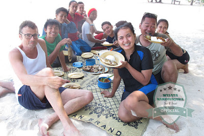 BBQ di pulau karimun jawa