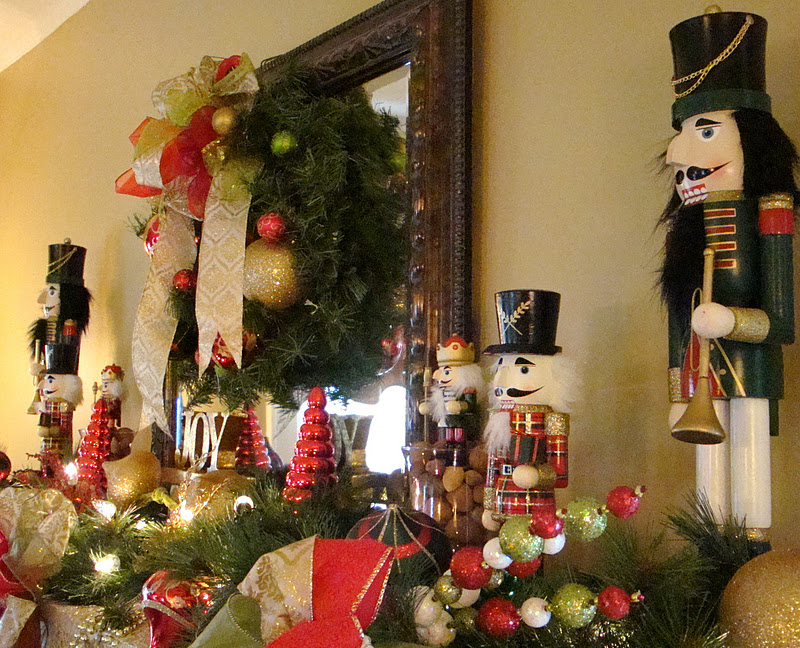 Christmas mantel mountain breaths for Pictures of mantels decorated for christmas