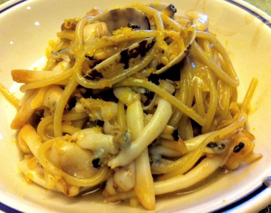 ... : Spaghetti Mancini con frutti di mare, moscardini e bottarga sarda