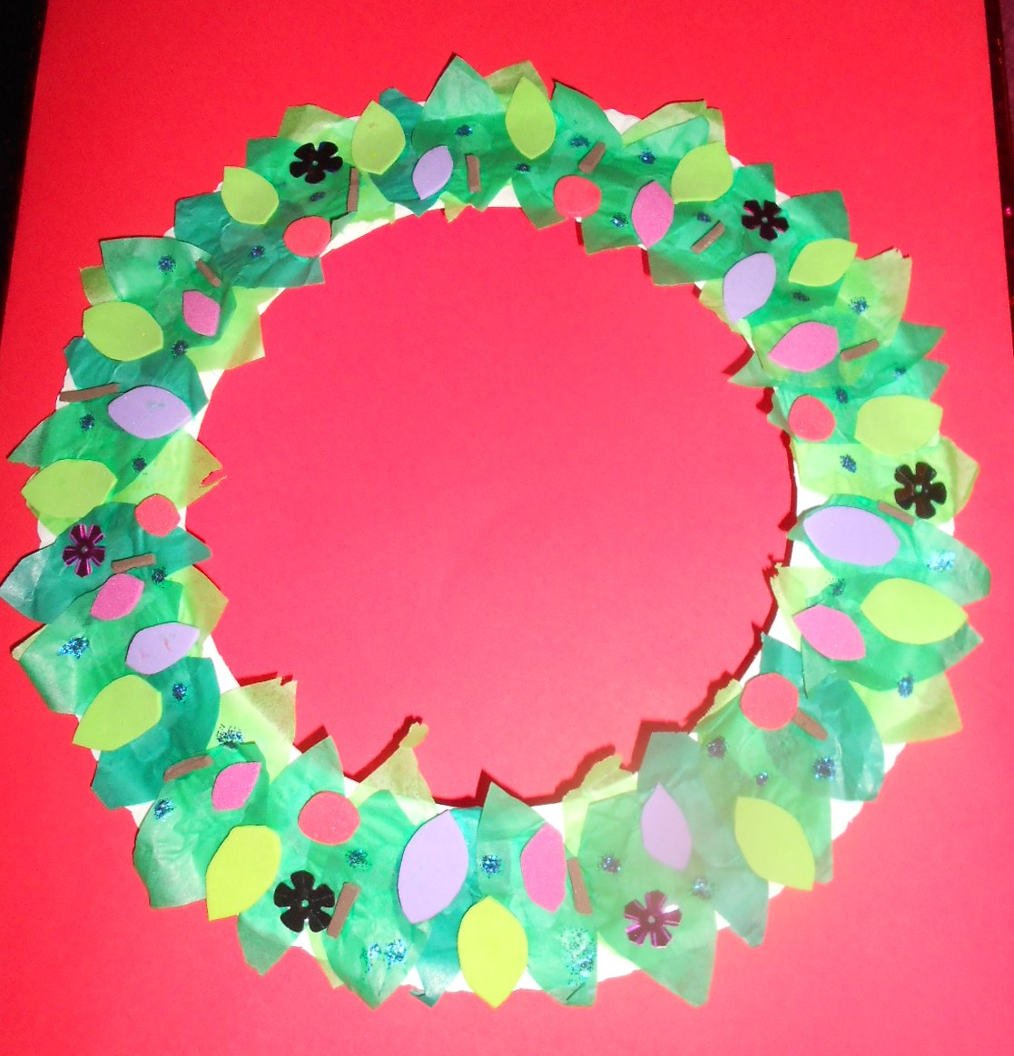James may arts and crafts blog paper plate christmas wreath for Christmas crafts made out of paper plates