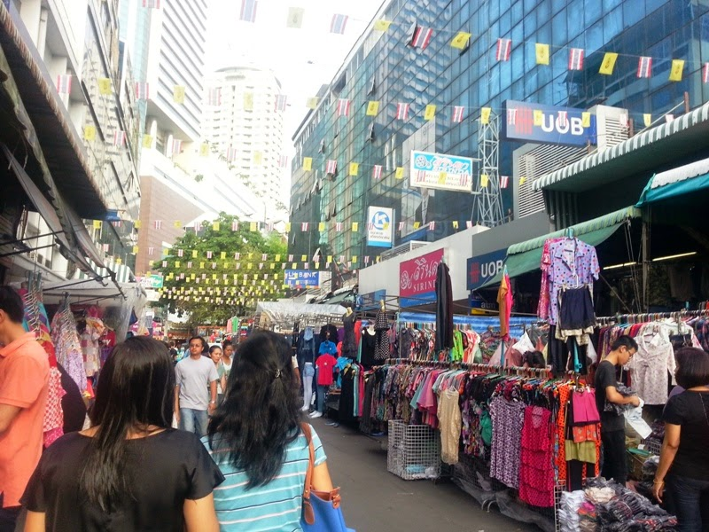 Bangkok shopping guide for designer brands and weekend markets