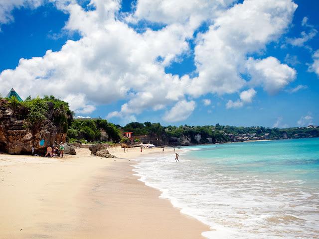Foto Keindahan Pantai Dreamland di Bali