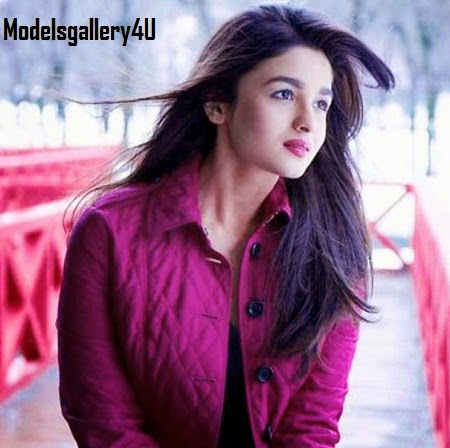Alia Bhatt Sexy And Hot Photo With Weight, Height, Bra Size and Body Measurements