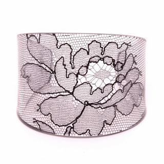 lace cuffs