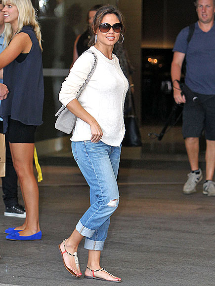 Vanessa Lachey In Cute Flat Sandals