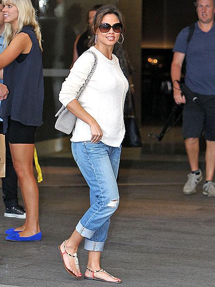 Vanessa Lachey In Cute Flat Sandals