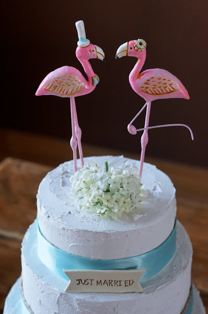 https://www.etsy.com/listing/152800546/pink-flamingos-in-love-wedding-cake?ref=shop_home_feat_1