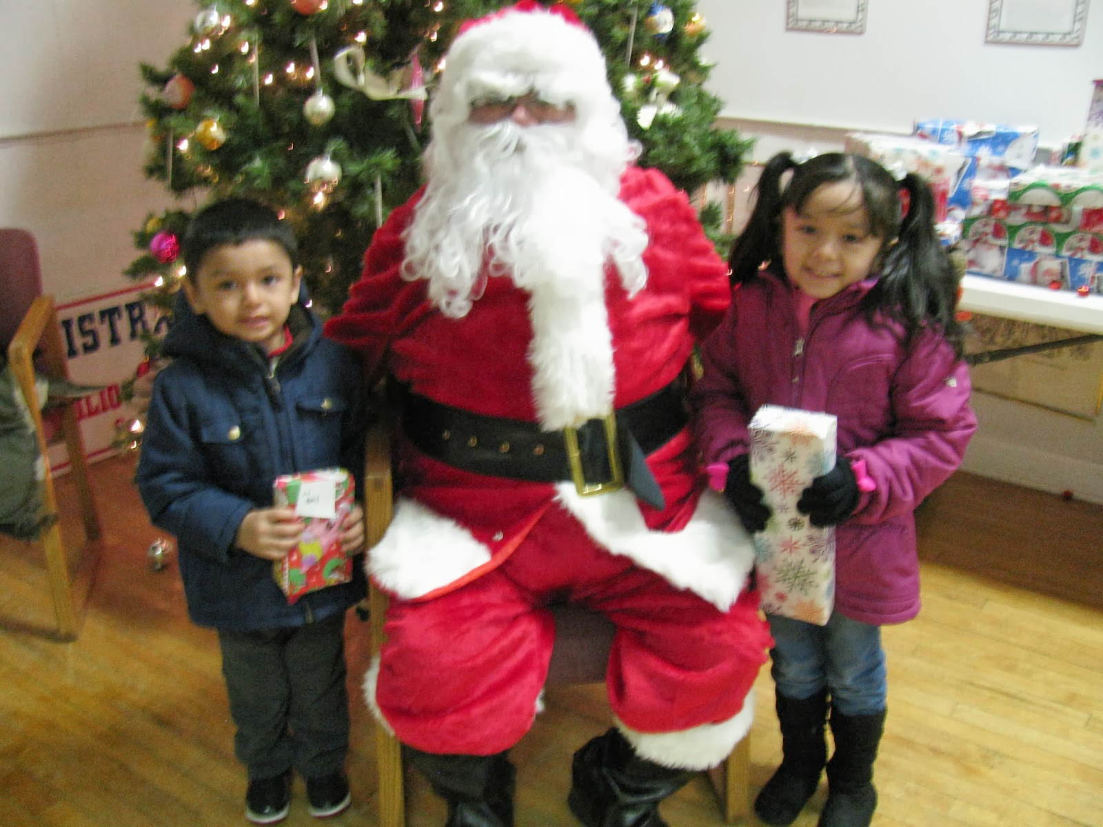 The Santa Clause 2 Toys For Tots : The hispanic times santa claus lvcc toys for tots