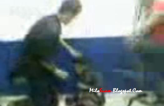 Video Anggota Polis Buli Remaja Dalam Tahanan