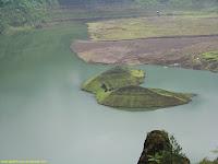 danau kawah akibat letusan gunung galunggung, danau kawah yang indah mempesona