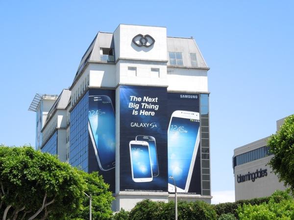 Giant Samsung Galaxy S4 Smartphone billboard