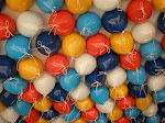 Un globo,dos globos,tres globos...Picha sobre los globos.