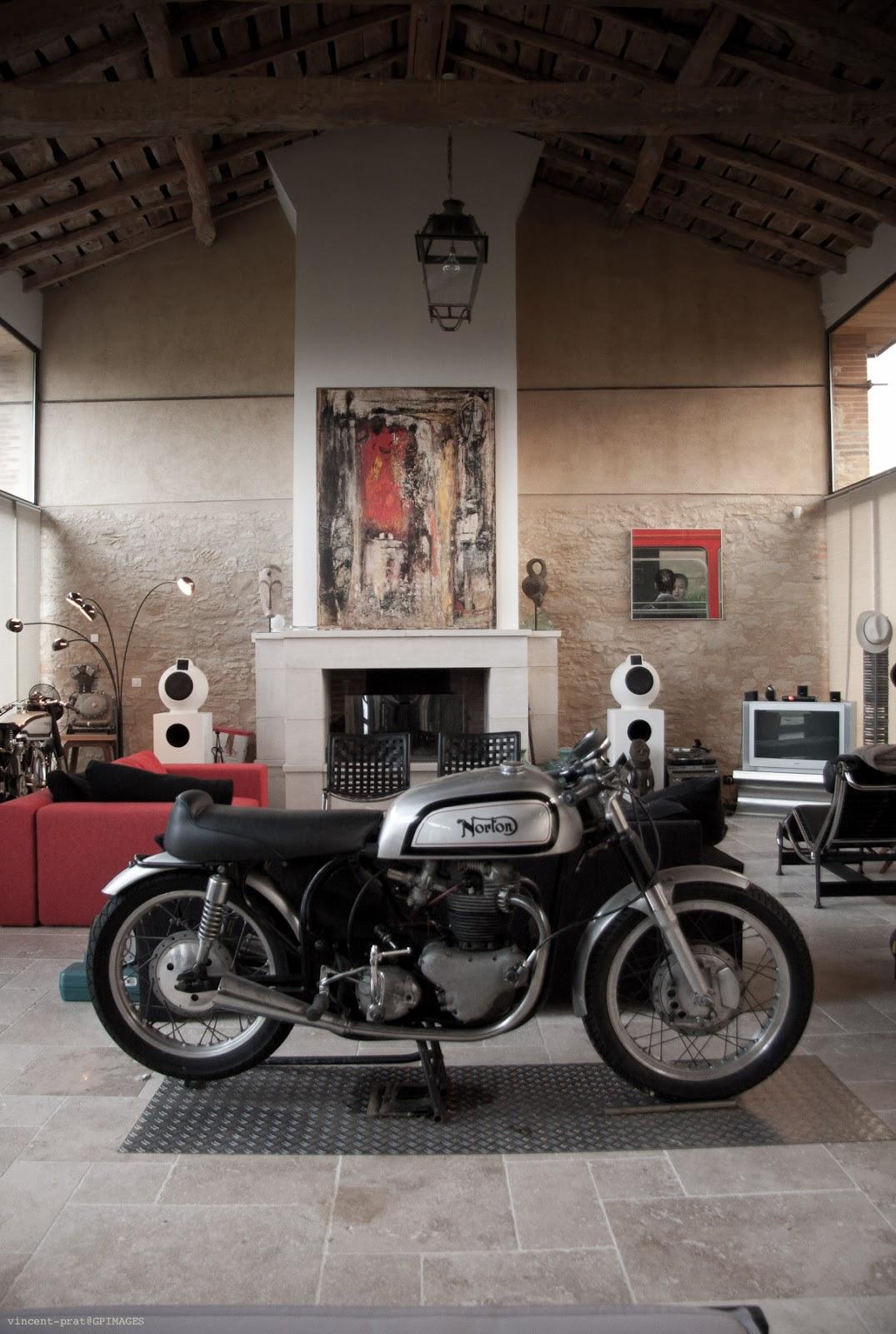Decorer Garage Cafe Racer