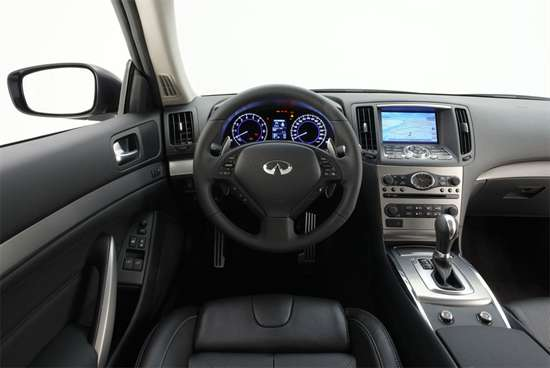 Interior of 2011 Infiniti G37 Coupe
