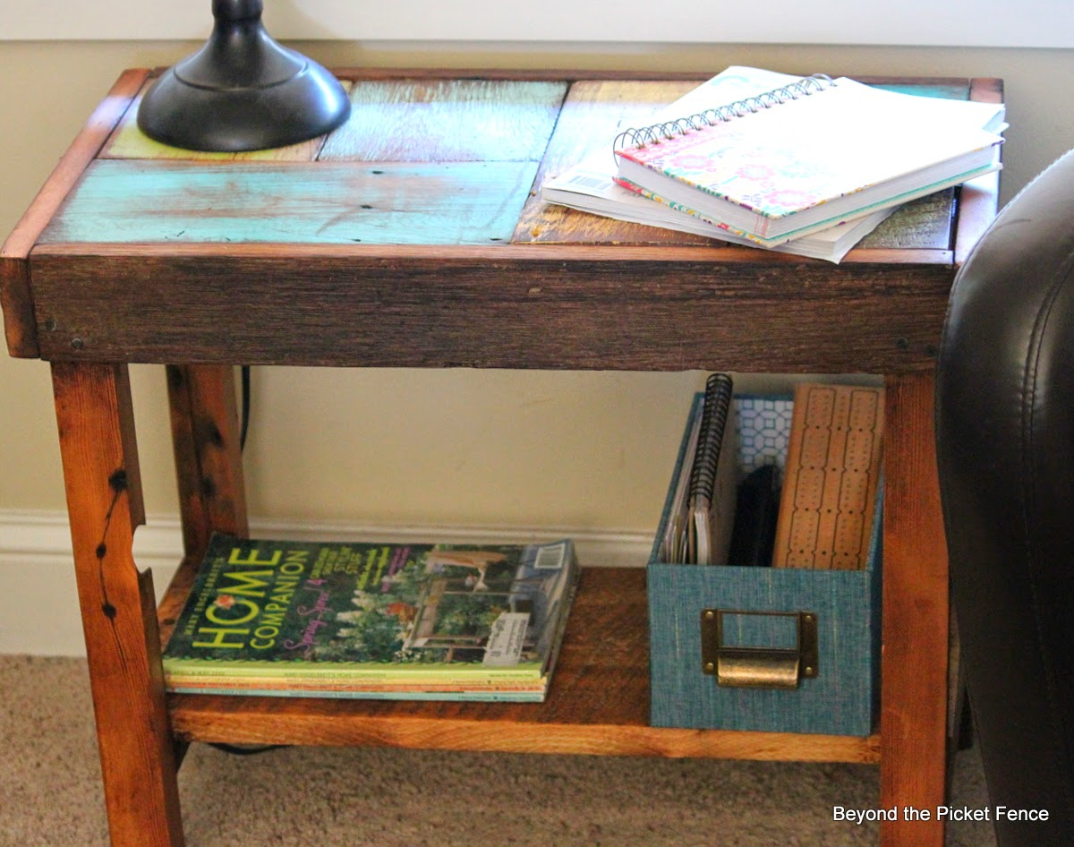 scrappy, reclaimed wood side tablehttp://bec4-beyondthepicketfence.blogspot.com/2014/05/another-scrappy-table-side-version.html