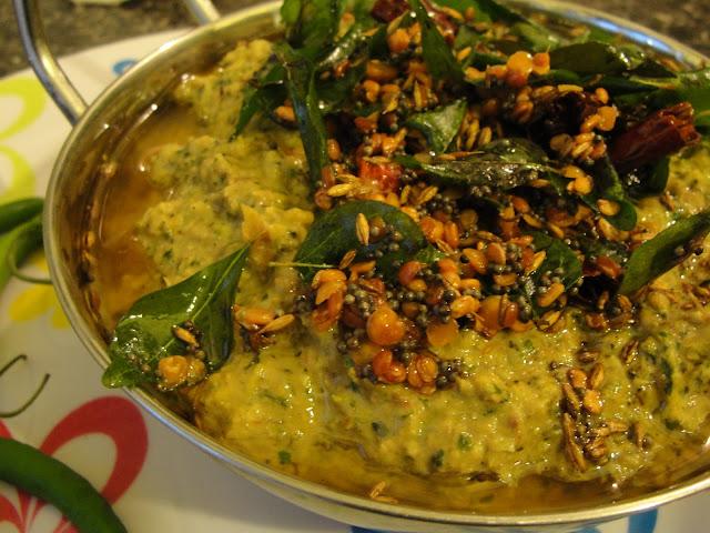 Green chilli chutney pachi mirapakaya pachadi pachai for Andhra cuisine dishes