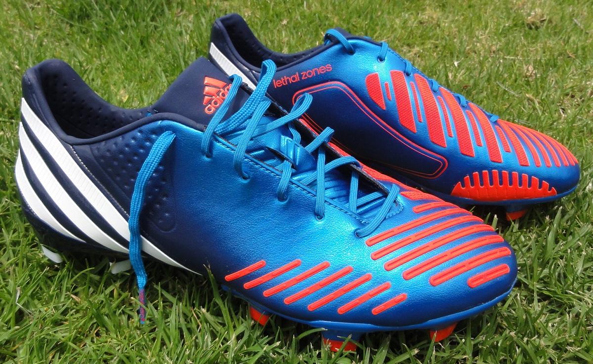 Zapatos Botasdefutbolbaratasoutlet 2013 es Predator De Adidas Futbol TqZ0BTr