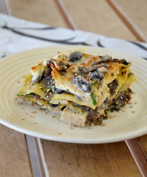 lasagne con funghi champignon, tofu e panna vegetale