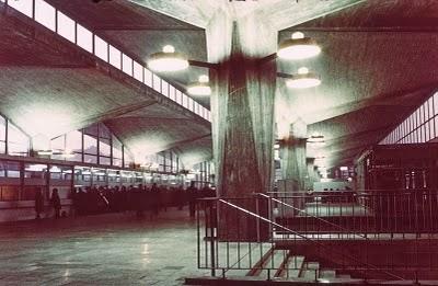 http://yoniec.blogspot.com/2010/11/polskie-dziecko-brutalizmu-zniknie-i.html