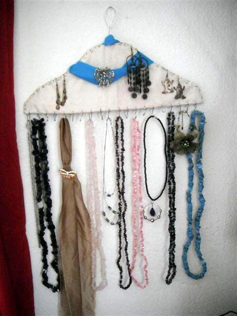 Percheros para collares gancho de metal de ropa tiza for Gancho colgador de ropa
