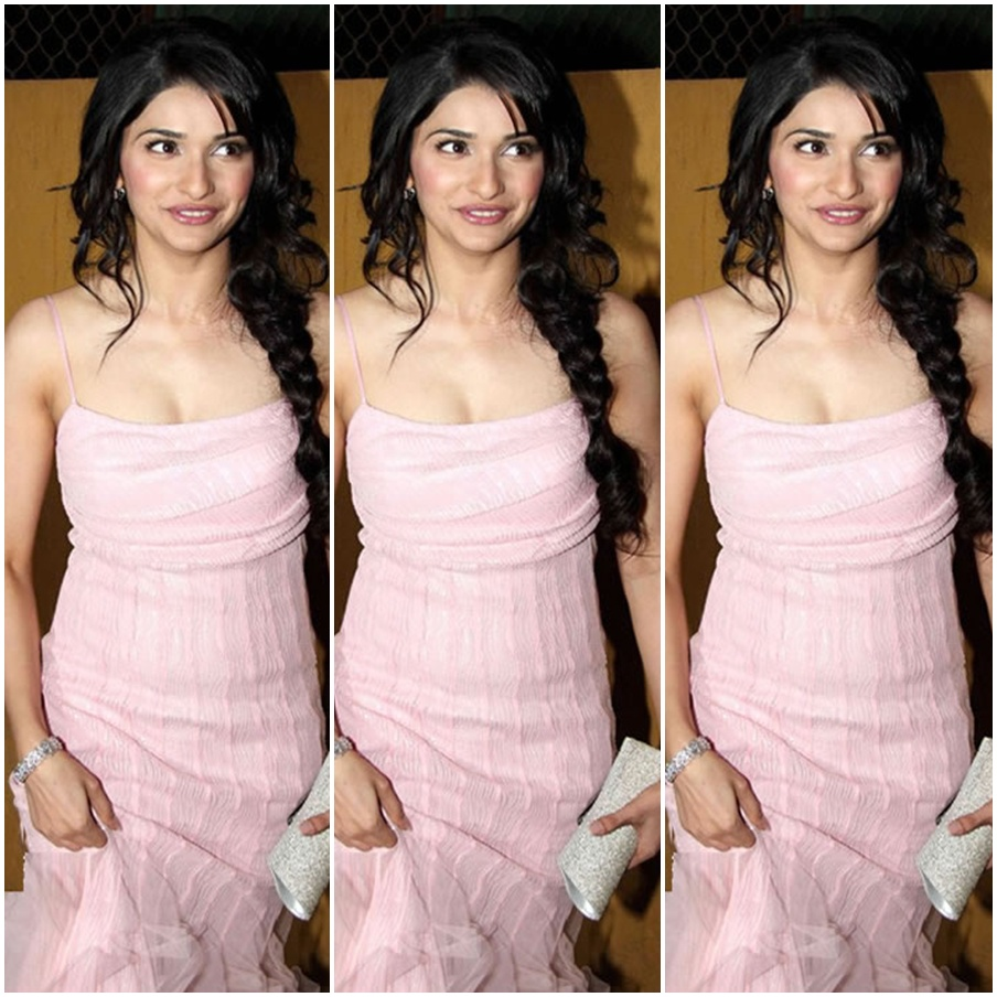 Bollywood Celebrity in pink color long frock with designer sleeve less ...