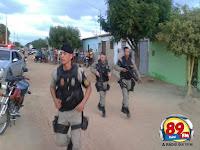 Operação conjunta da polícia militar e civil estoura residências de acusados de praticarem assalto em Cuité