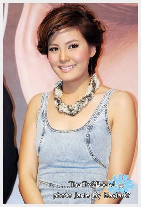 Updo Hairstyles★Jenny Tienposuwan
