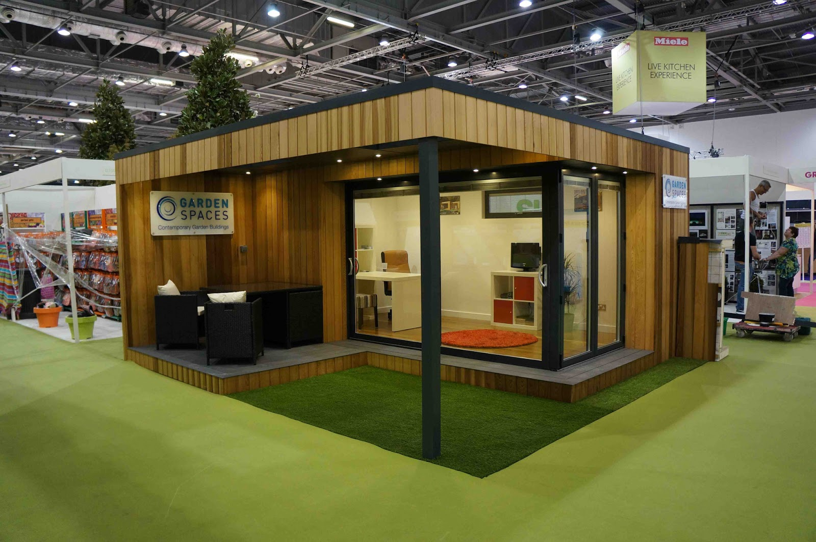 Shedworking garden offices at grand designs live for Garden office design