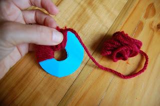 how to make a pom pom with yarn 5